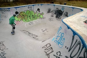 Ryparken skatepark hullet bowl normal300