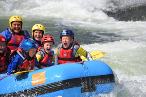Family rafting 3 normal300